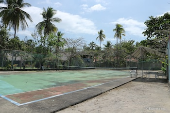 Dos Palmas Island Resort & Spa Palawan Tennis Court