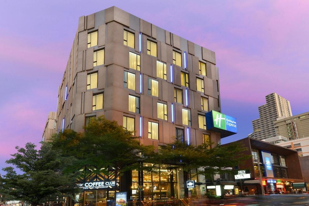Holiday Inn Express Bangkok Sukhumvit 11, Bangkok 𝐇𝐃 𝐏𝐡𝐨𝐭𝐨𝐬
