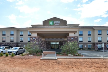 Holiday Inn Express & Suites Page