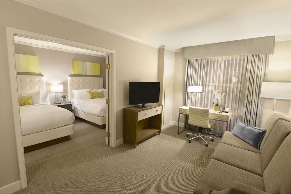 41 Magnolia Hotel St Louis