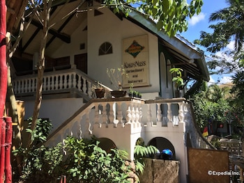 Kokosnuss Garden Resort Coron Hotel Front
