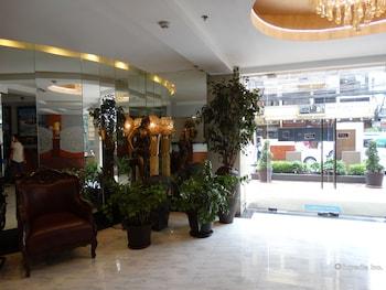 Silver Oaks Suite Hotel Manila Interior Entrance