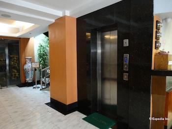 Silver Oaks Suite Hotel Manila Property Amenity