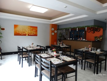 Silver Oaks Suite Hotel Manila Restaurant