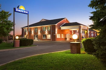 Photo for Days Inn by Wyndham Stouffville in Whitchurch-Stouffville, Ontario