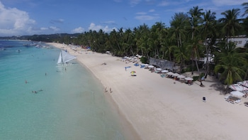 Cocoloco Boracay Beach Resort Beach/Ocean View