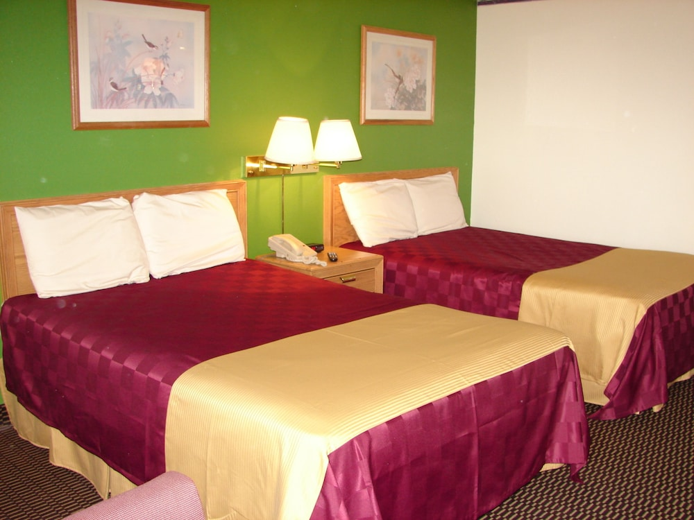 Columbus Inn & Suites