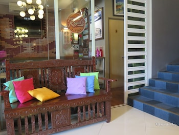 La Gloria Residence Inn Cebu Lobby Sitting Area