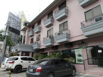 Casa Leticia Business Inn Davao Parking
