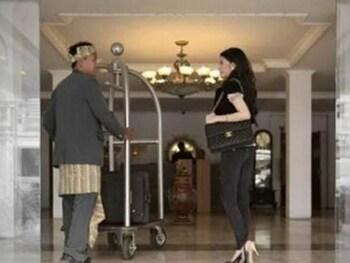Hotel Istana Permata Ngagel - Interior Entrance  - #0