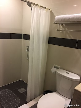 The Metrocentre Hotel and Convention Center Bohol Bathroom