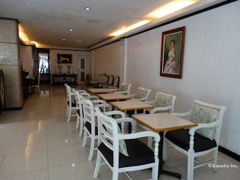 M Hotel Manila Restaurant
