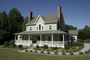 Seven Oaks Bed and Breakfast in High Point, North Carolina
