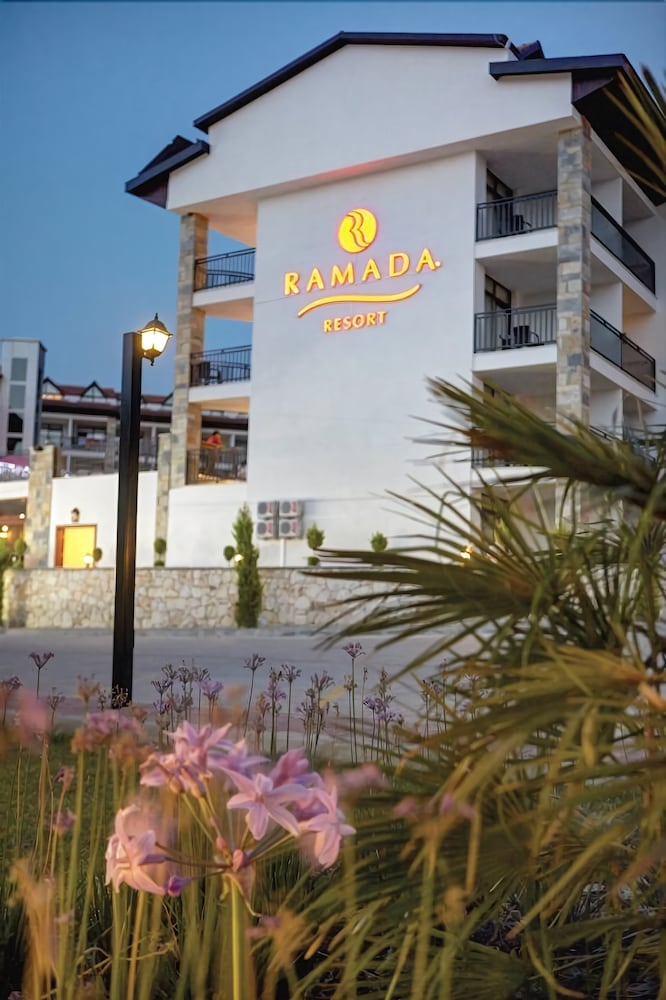 Ramada Resort by Wyndham Akbuk