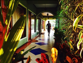 Tamarindo Hostel Resort