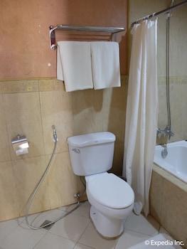 Willy's Beach Hotel Boracay Bathroom