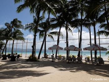 Willy's Beach Hotel Boracay Beach