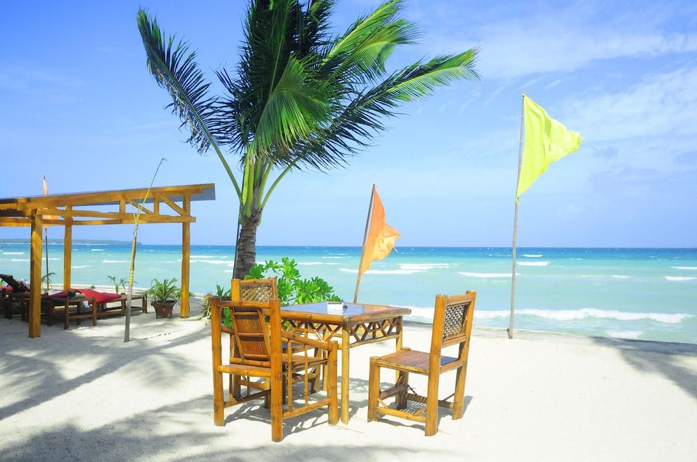 The Coral Blue Oriental Beach Villas & Suites