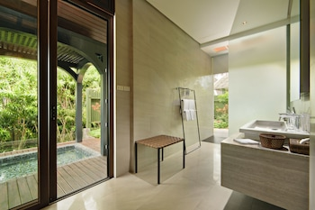 Panglao Island Nature Resort & Spa Bathroom