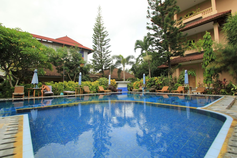 Lusa Hotel