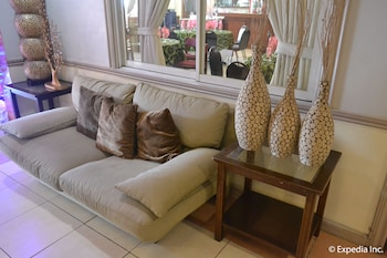 Tagaytay Country Hotel Lobby Sitting Area