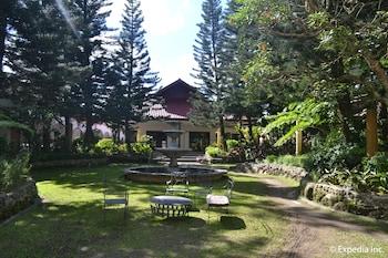 Tagaytay Country Hotel Garden