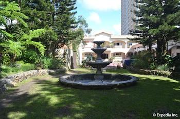 Tagaytay Country Hotel Fountain
