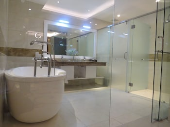 The Mira Hotel - Bathroom  - #0