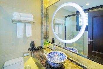Chengdu Buddhazen Hotel - Bathroom  - #0
