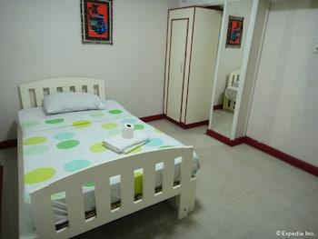 Hotel Saleh Clark Guestroom