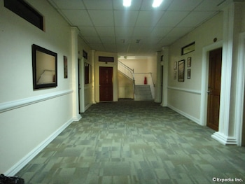 Hotel Saleh Clark Hallway