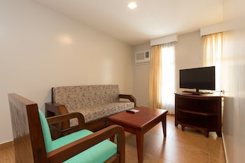 Mj Hotel & Suites Cebu Living Area
