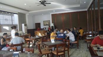 Mj Hotel & Suites Cebu Breakfast Area