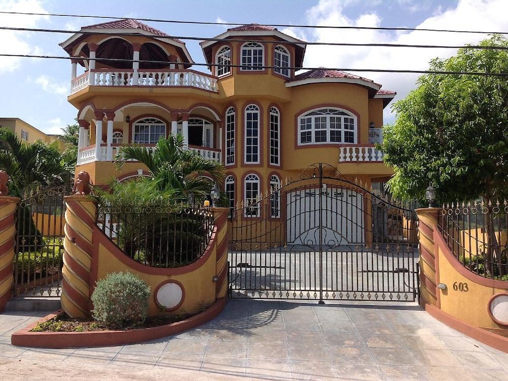 Cazwin Villa