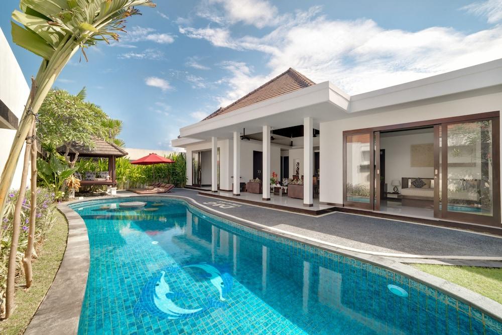 D G Villas Nusa Dua Bali Price Address Reviews