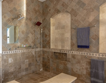Cabo Vacation Home - Bathroom Shower  - #0