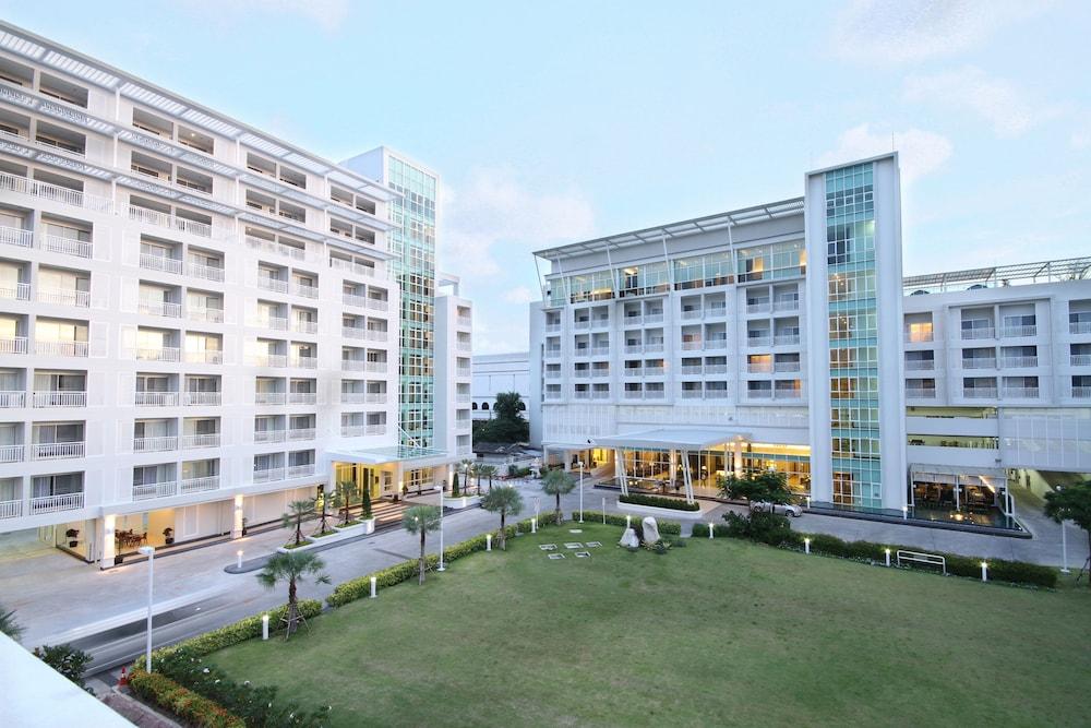 Kameo Grand Rayong Hotel & Serviced Apartments