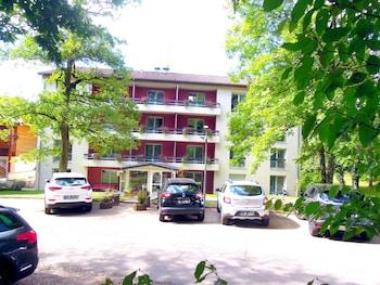 tarifs reservation hotels Résidence Les Grands Chênes du Parc