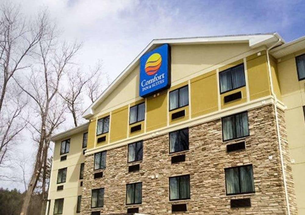Comfort Inn & Suites Brattleboro I-91