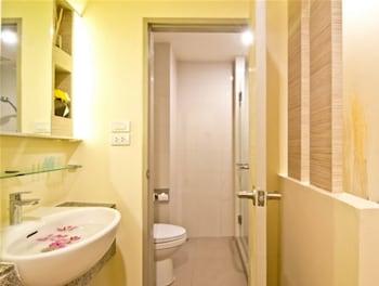 Sunshine One Hotel Pattaya - Bathroom  - #0