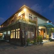 卡圖爾阿迪普特拉飯店