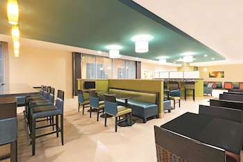 La Quinta Inn & Suites Little Rock - West - Property Amenity  - #0